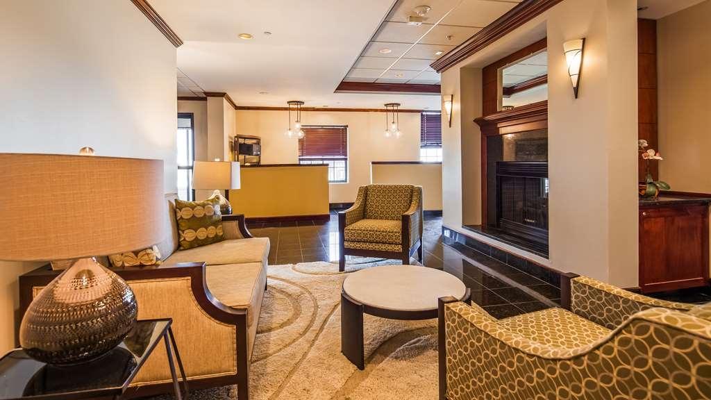 Best Western Plus South Hill Inn - Vue du lobby