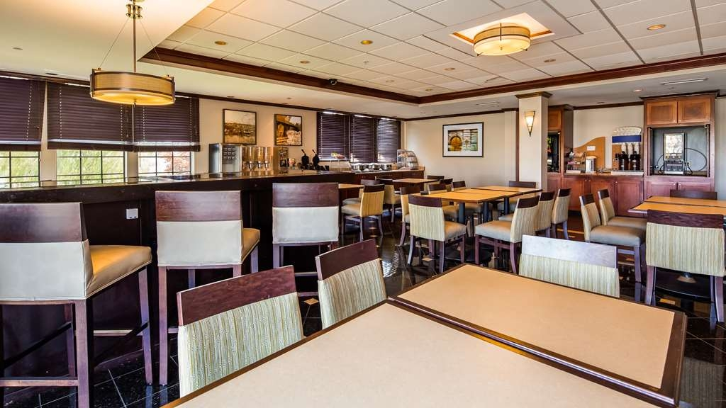 Best Western Plus South Hill Inn - Restaurant