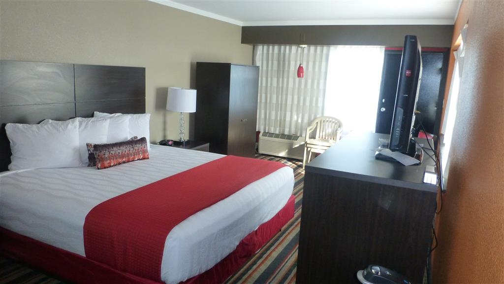 Best Western Plus Sandcastle Beachfront Hotel - Suite