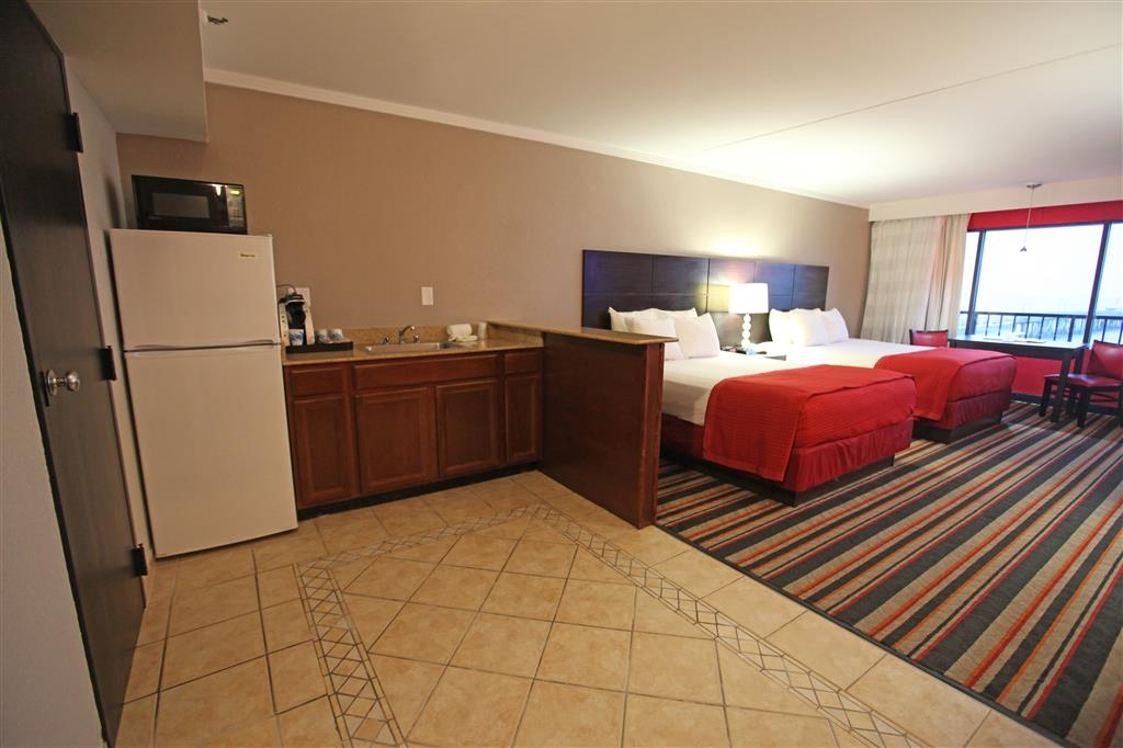 Best Western Plus Sandcastle Beachfront Hotel - Chambre queen size
