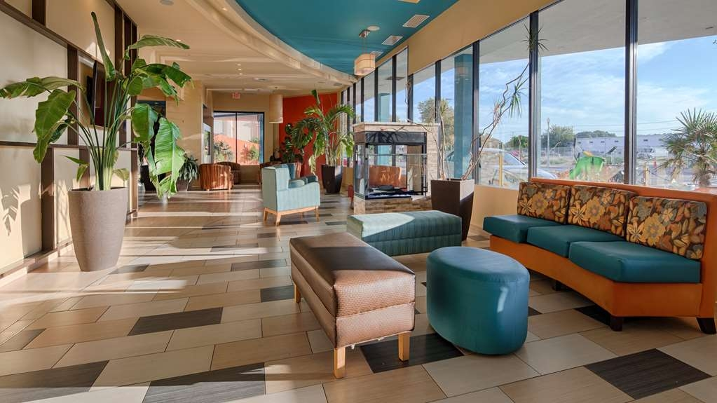 Best Western Plus Sandcastle Beachfront Hotel - Vue du lobby