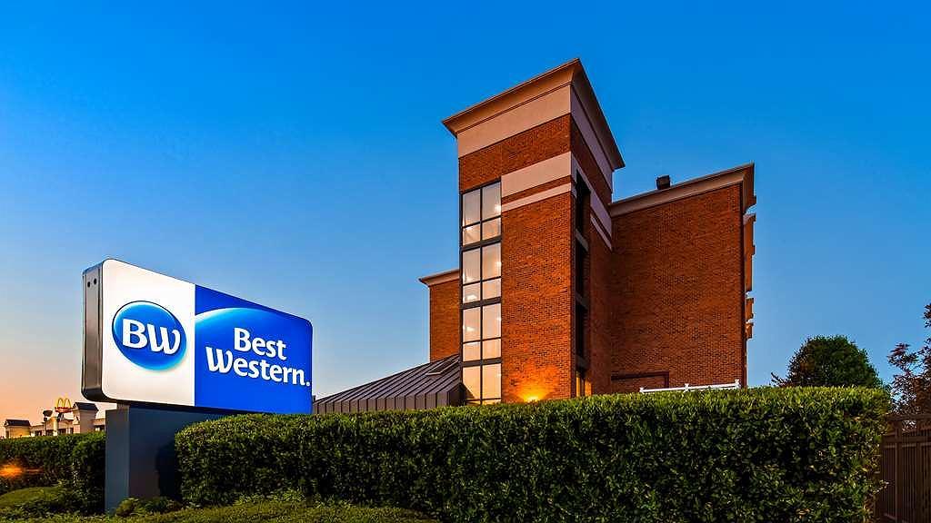 Best Western Hampton Coliseum Inn - Vista exterior
