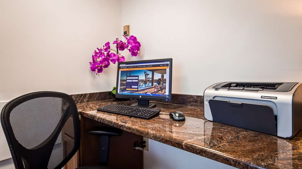 Best Western Hampton Coliseum Inn - Business center