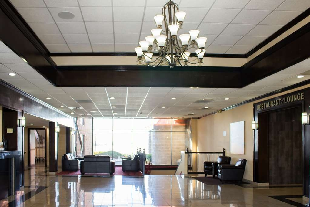 Best Western Plus Lake Front Hotel - Grab your bags, park your car & come on in.