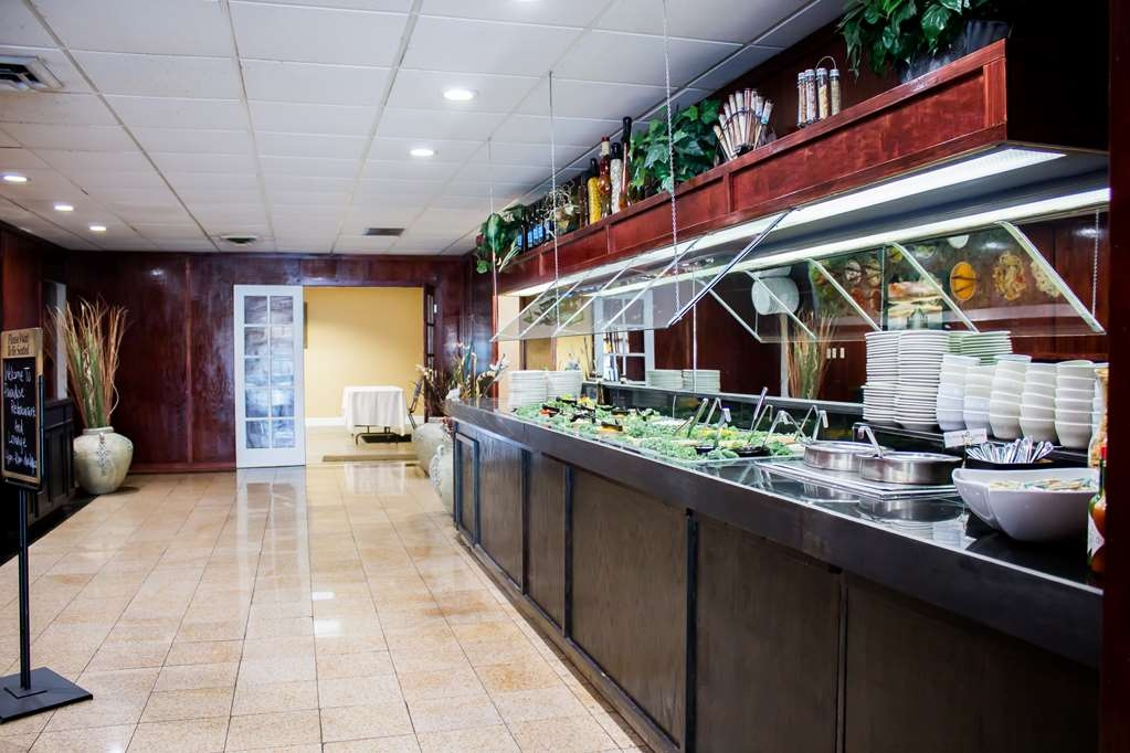 Best Western Plus Lake Front Hotel - Soup and Salad bar. Open to Guests and the Public Daily 4pm-10pm