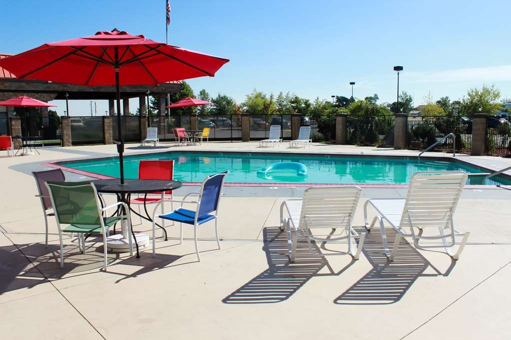 Best Western Plus Lake Front Hotel - Piscina