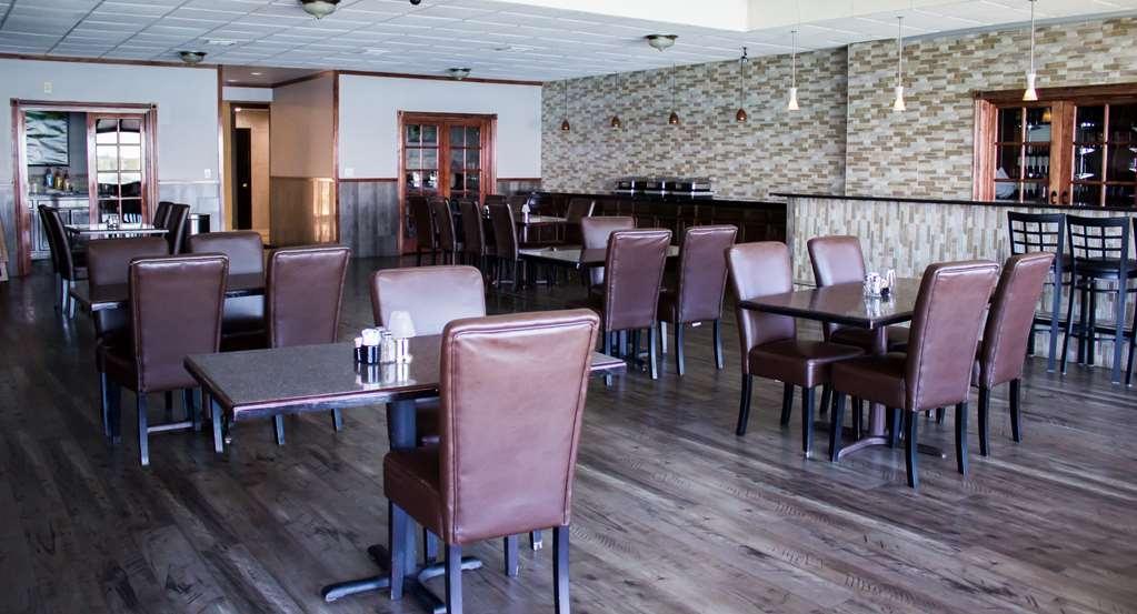 Best Western Plus Lake Front Hotel - BREAKFAST SITTING ROOM