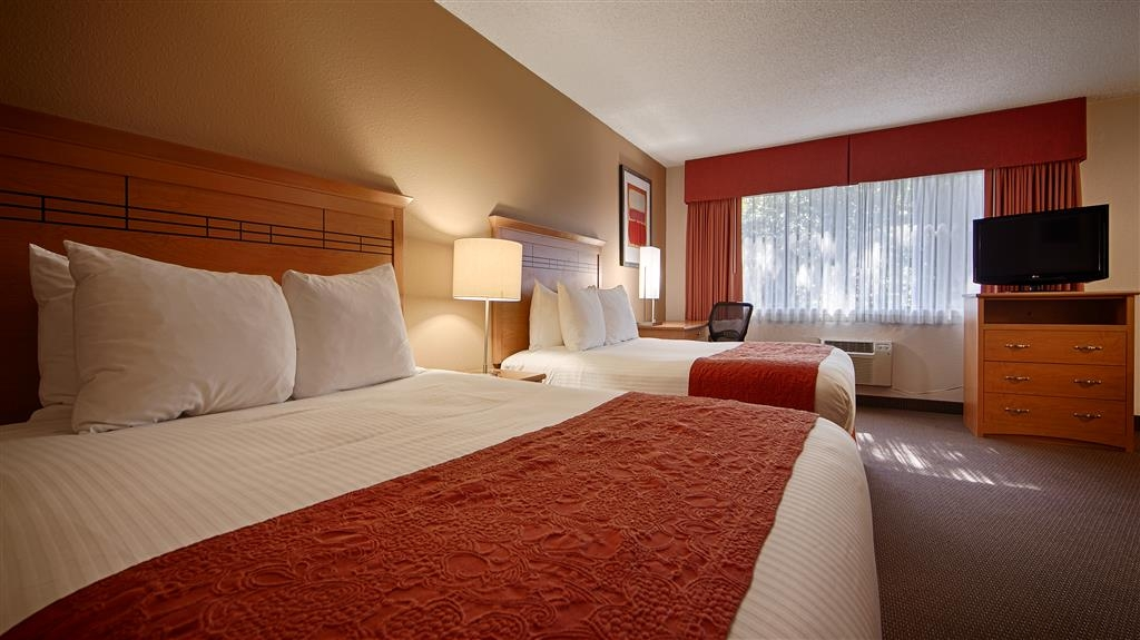 Best Western Aladdin Inn - Double Queen Kitchenette Guest Room