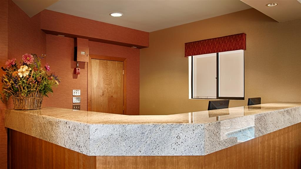 Best Western Aladdin Inn - Front Desk