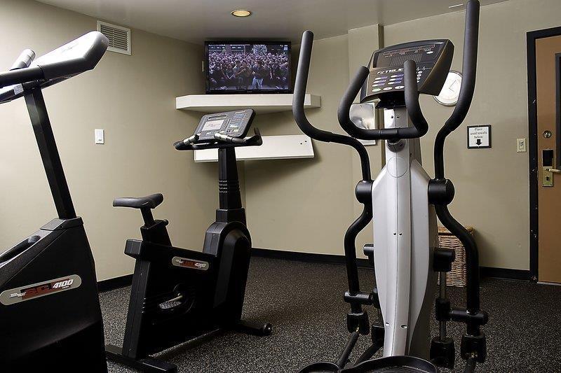 Best Western Seattle Airport Hotel - Unser Fitnessstudio ist von 7:00 Uhr bis 23:00 Uhr geöffnet.