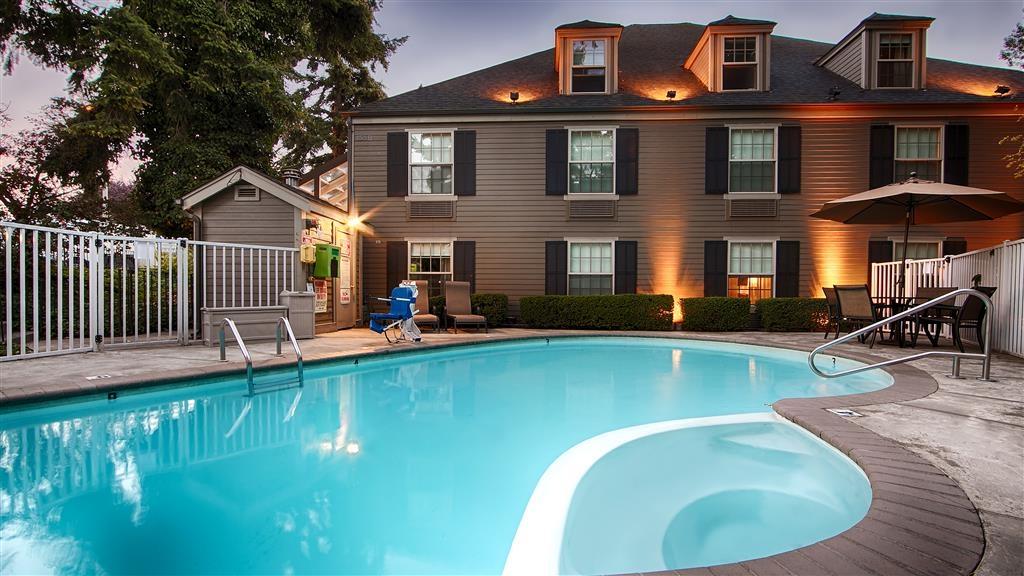 Best Western Heritage Inn - Vista de la piscina