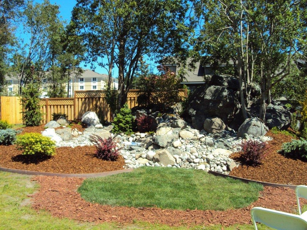 Best Western Plus Oak Harbor Hotel & Conference Center - Enjoy the beautiful grounds at the Best Western Plus Oak Harbor Hotel & Conference Center.