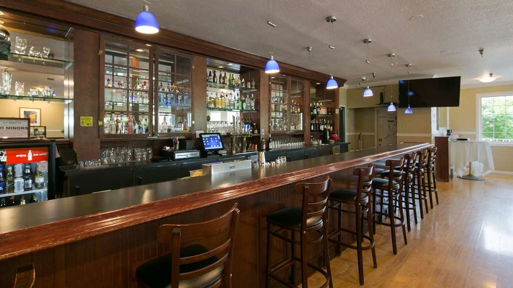 Best Western Plus Skagit Valley Inn and Convention Center - Bar / Lounge