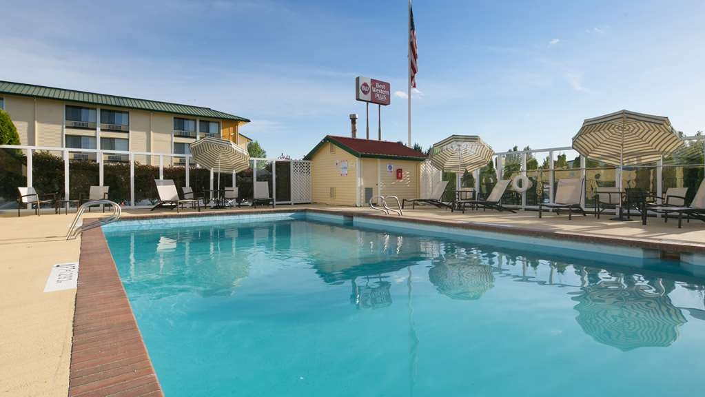 Best Western Plus Skagit Valley Inn and Convention Center - Vue de la piscine