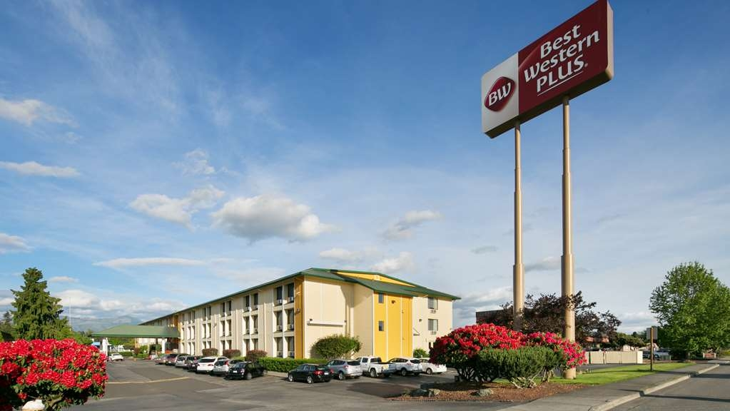 Best Western Plus Skagit Valley Inn and Convention Center - Façade
