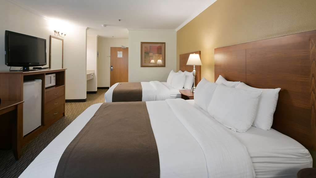 Best Western Tumwater-Olympia Inn - Each room features a microwave and refrigerator.