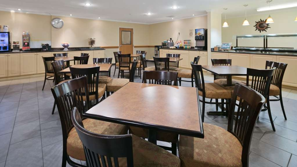 Best Western Tumwater-Olympia Inn - Enjoy a complimentary hot breakfast each day!