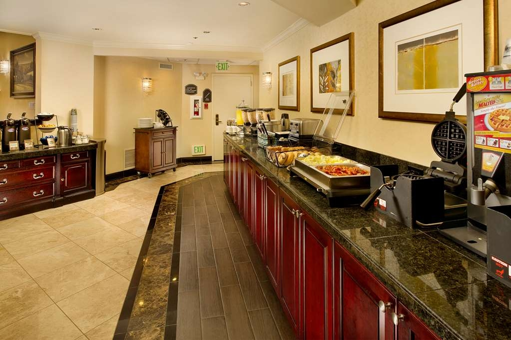 Best Western Premier Plaza Hotel & Conference Center - Prima colazione a buffet