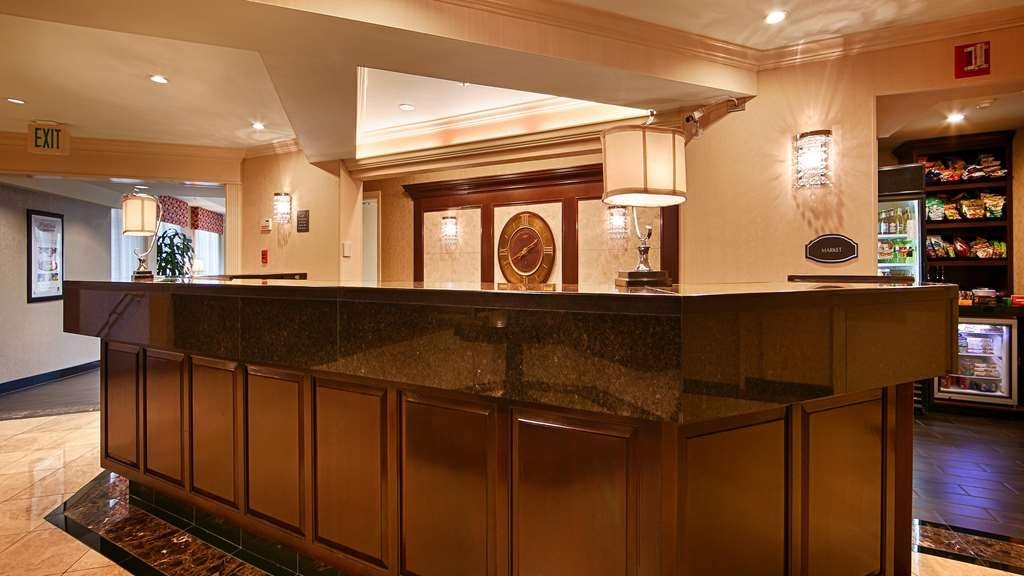 Best Western Premier Plaza Hotel & Conference Center - reception