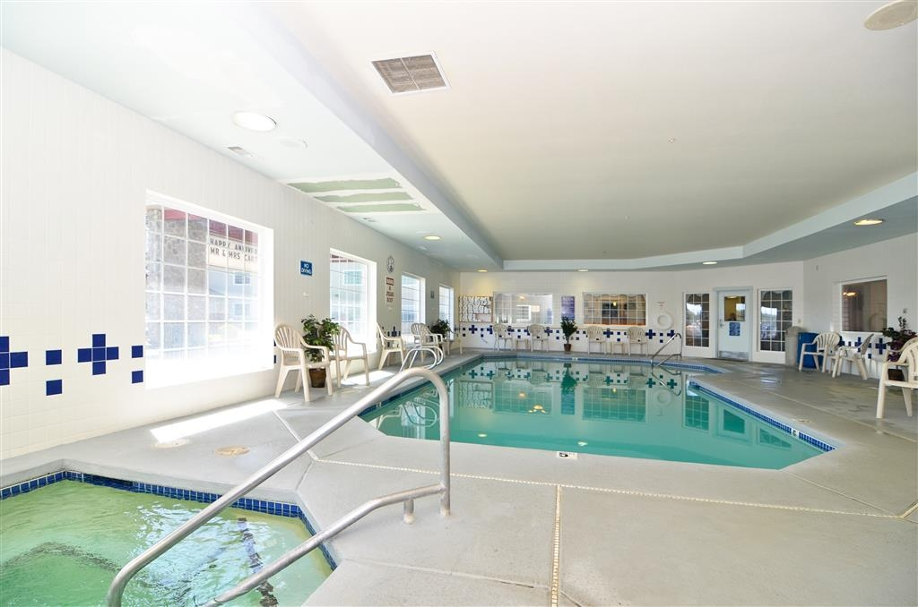 Best Western Lighthouse Suites Inn - Indoor Pool with Public Hot Tub/Whirlpool