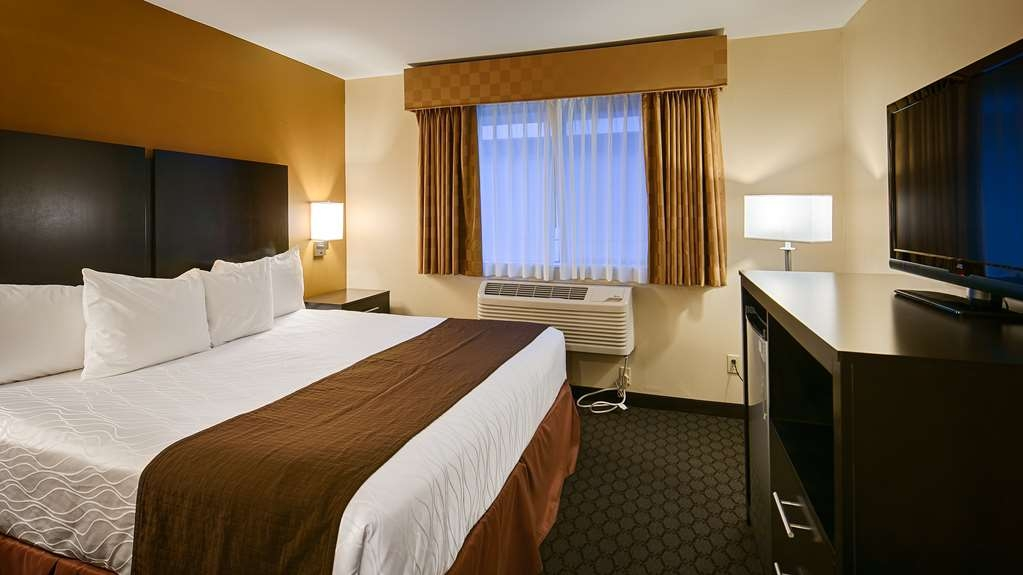 Best Western Sky Valley Inn - Our standard king room offers the comforts of home with a few added amenities that will make your stay extra special.