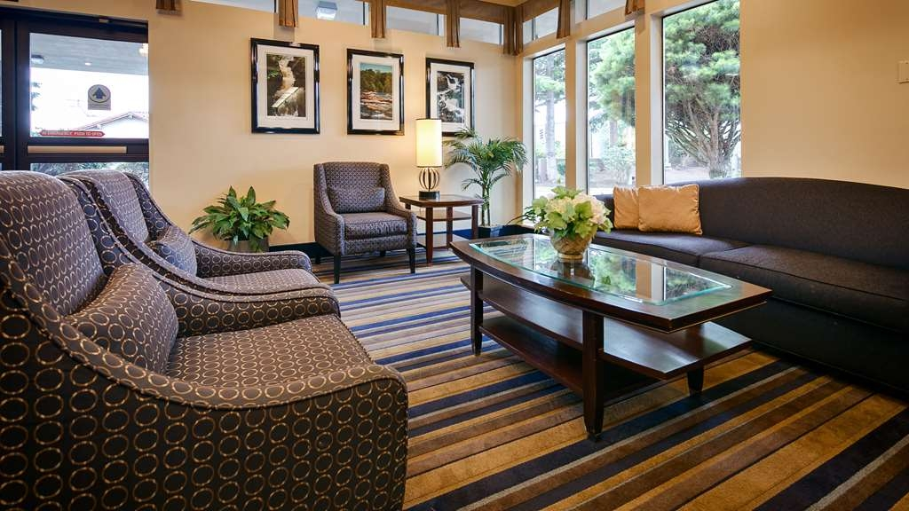 Best Western Cascadia Inn - Lobby