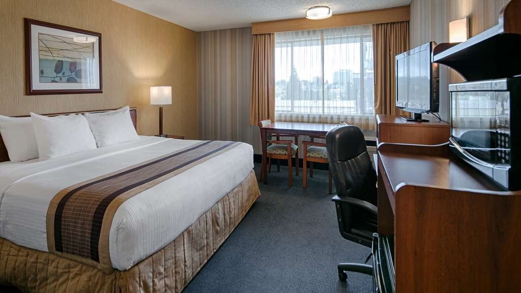 Best Western Cascadia Inn - King Guest Room