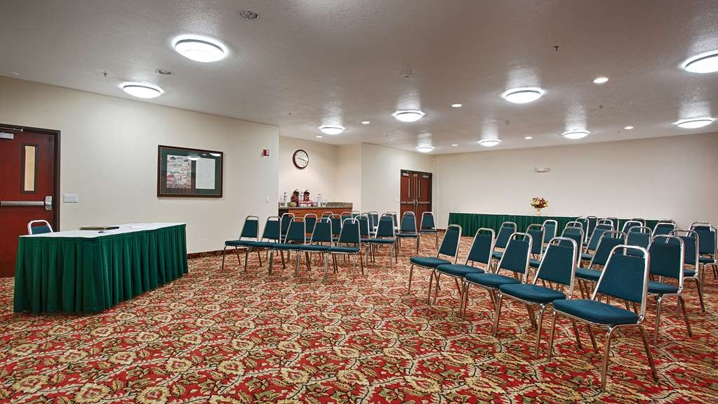 Best Western Plus Walla Walla Suites Inn - Our meeting room is perfect for moderate sized gatherings presentations or seminars.