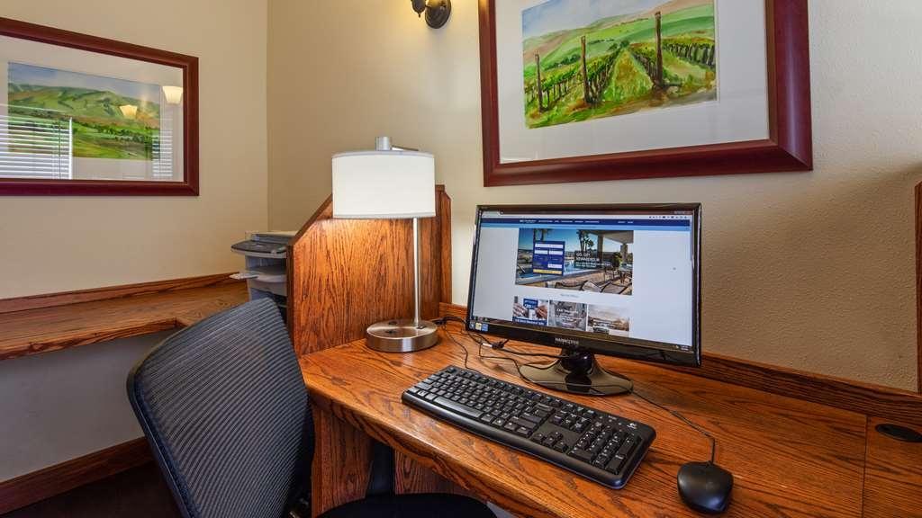Best Western Plus Walla Walla Suites Inn - Business Center