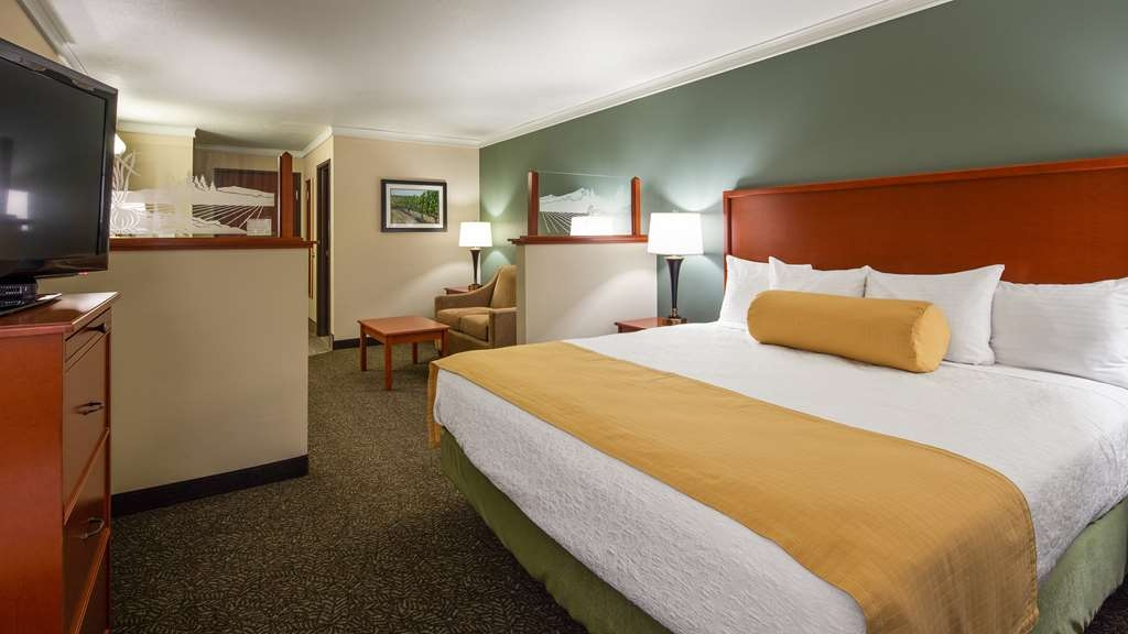 Best Western Plus Walla Walla Suites Inn - King Suite