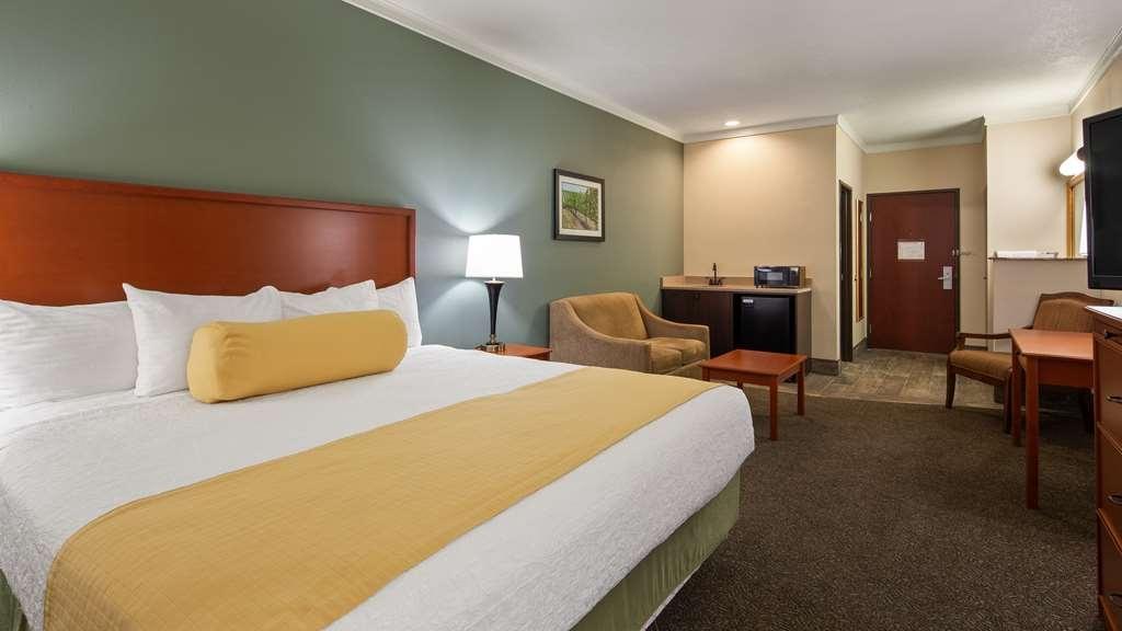 Best Western Plus Walla Walla Suites Inn - King Guest Room