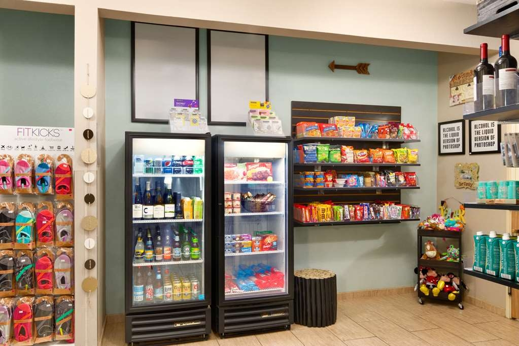 Best Western Plus Peppertree Airport Inn - equipamiento de propiedad