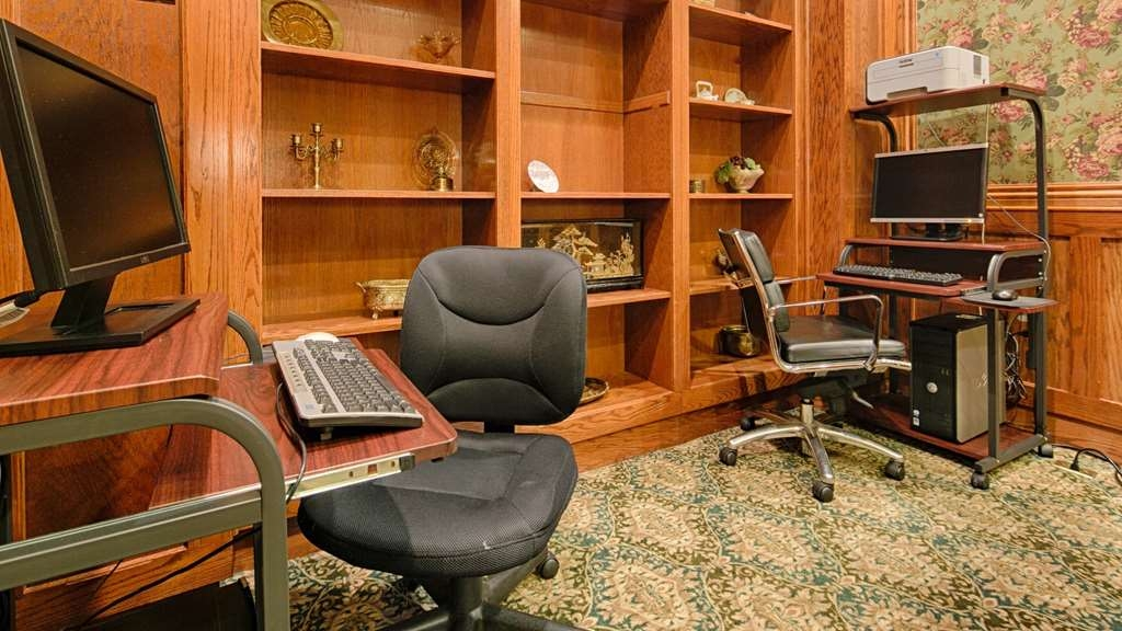 Best Western Plus Pioneer Square Hotel Downtown - Feel free to check your email in our business center.