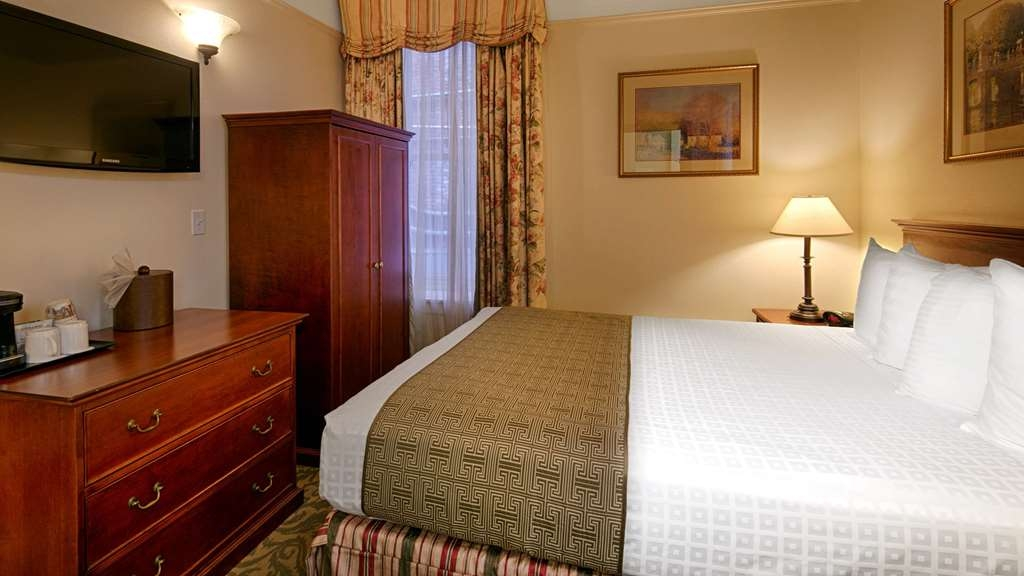 Best Western Plus Pioneer Square Hotel Downtown - Make yourself at home in our guest rooms.