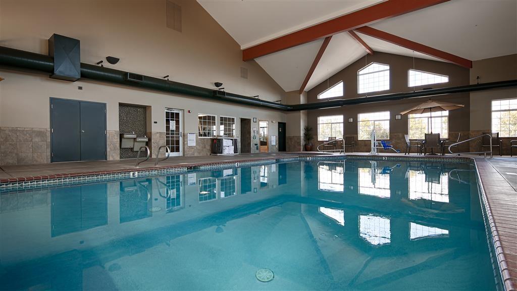 Best Western Plus Kennewick Inn - piscina coperta