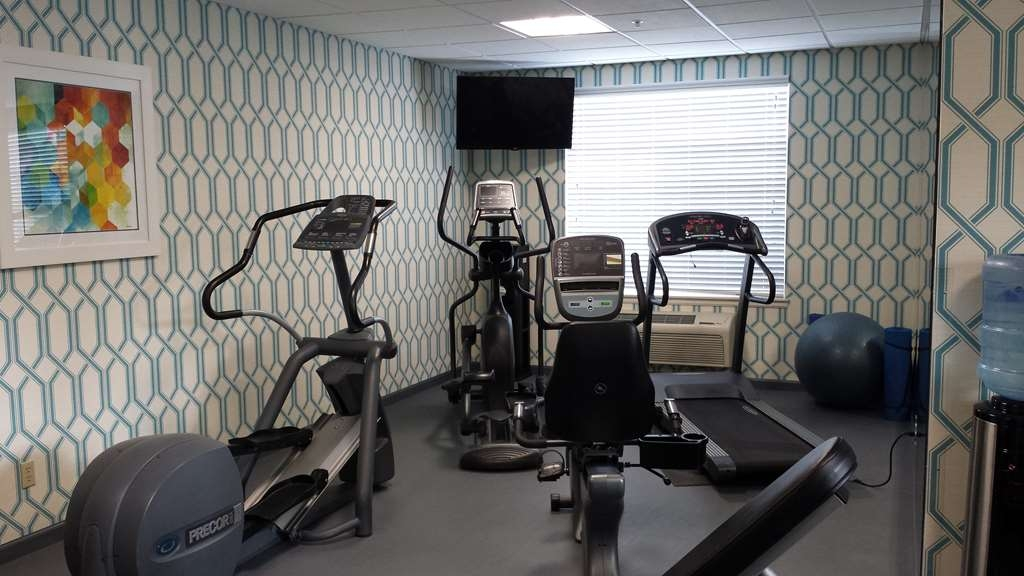 Best Western Plus Kennewick Inn - We also have a universal gym available for your use.