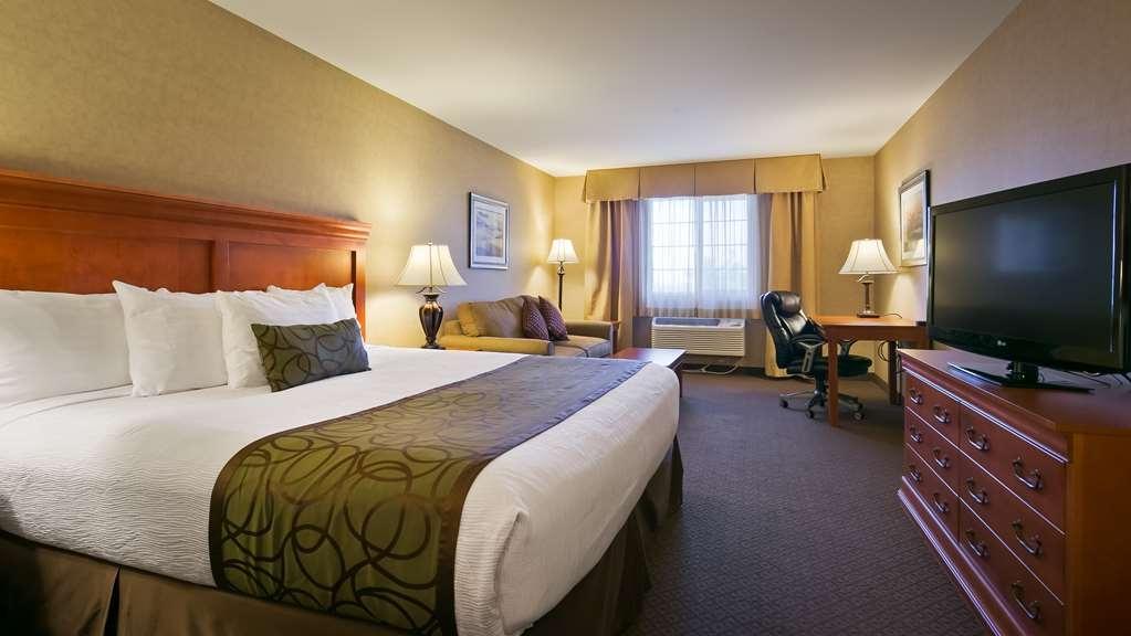 Best Western Plus Kennewick Inn - Make this King Guest Room your home away from home the next time you visit Kennewick.