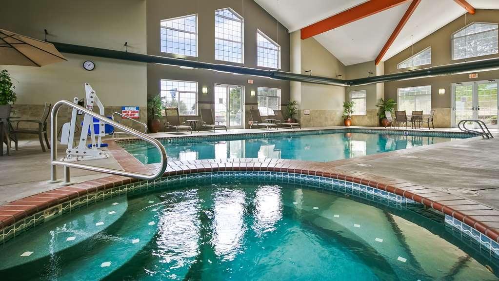 Best Western Plus Kennewick Inn - Vista de la piscina