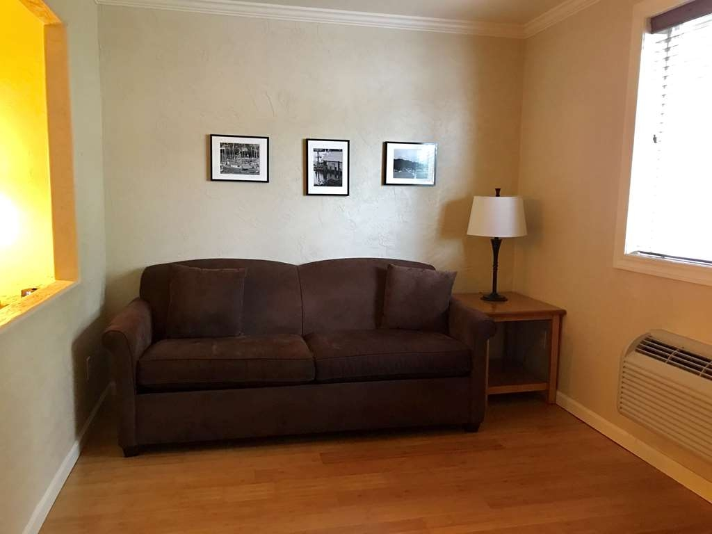 Best Western Wesley Inn & Suites - Suite with Queen and Sofa Bed