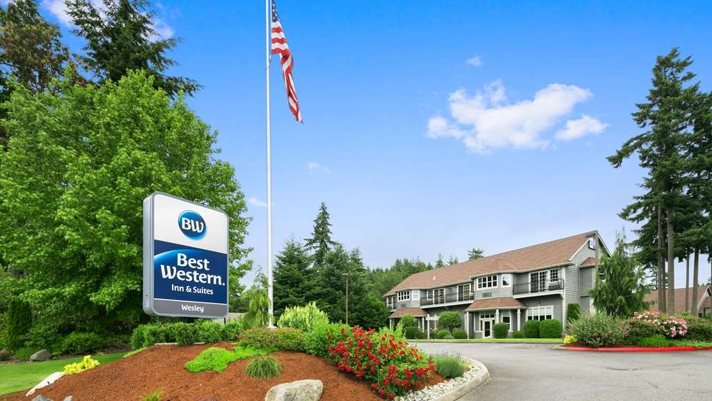 Best Western Wesley Inn & Suites - Facciata dell'albergo