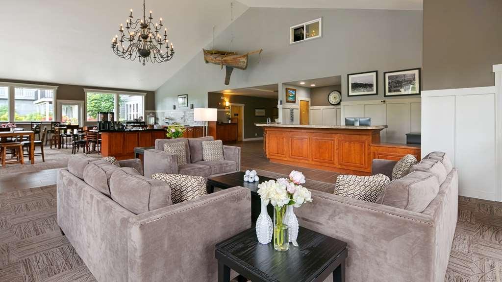 Best Western Wesley Inn & Suites - Hotel Lobby