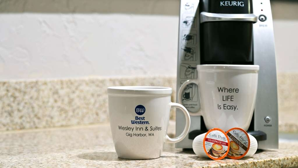 Best Western Wesley Inn & Suites - Keurig coffee makers in every room
