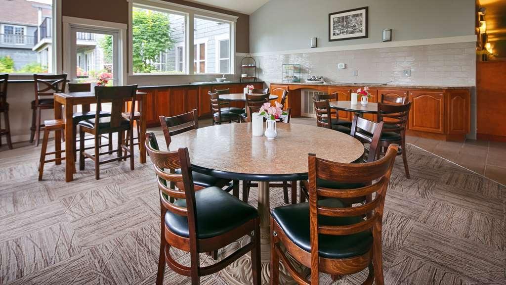 Best Western Wesley Inn & Suites - Breakfast Area