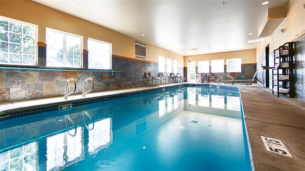 Best Western Plus Yakima Hotel - Indoor Swimming Pool