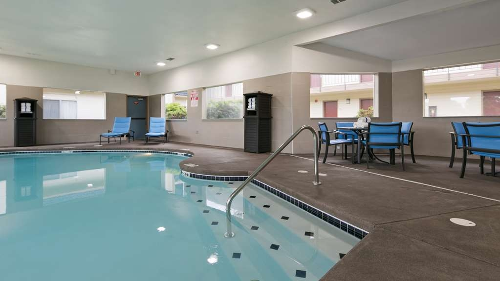 Best Western Inn of Vancouver - Piscina