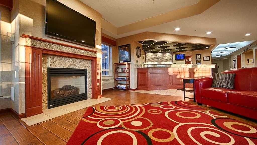Best Western Plus Park Place Inn & Suites - Lobby