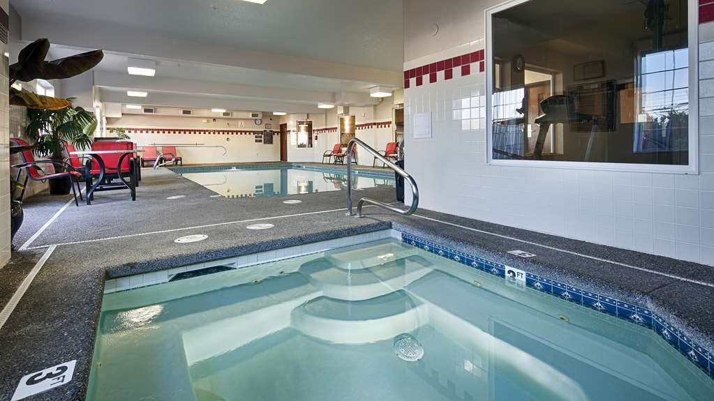 Best Western Plus Park Place Inn & Suites - Vista de la piscina