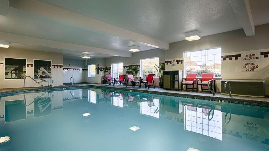 Best Western Plus Park Place Inn & Suites - Indoor Pool