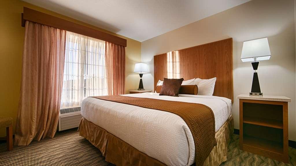 Best Western Plus Park Place Inn & Suites - Guest Room