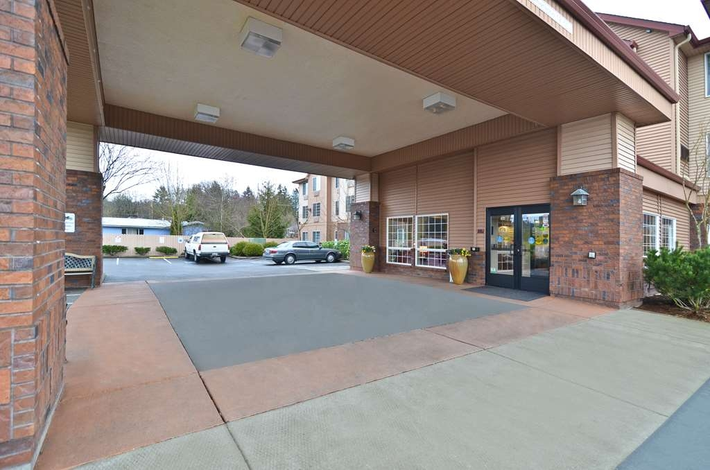 Best Western Plus Park Place Inn & Suites - Feel comfortable in our newly renovated hotel guest rooms and suites.